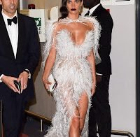 Sara Sampaio agora só usa roupa transparente?