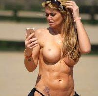 Danniella Westbrook em topless