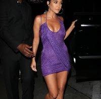 Kourtney Kardashian num vestido que não esconde nada!!!