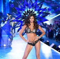 Sara Sampaio no desfile Victoria's Secret 2018