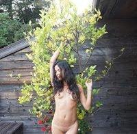 O belo corpo nu de Danay Garcia