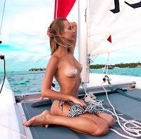 Katya Nizhegorodtseva publica fotos (quase) topless no Instagram