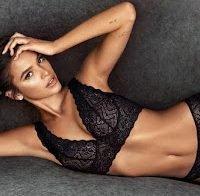 Bruna Marquezine publica fotos de lingerie (ex de Neymar)