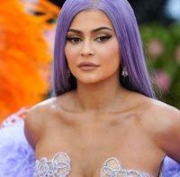 Kylie Jenner de vestido transparente na Met Gala 2019