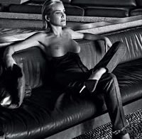 Sharon Stone topless na Vogue Portugal, aos 61 anos