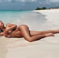 Sofia Richie publica foto topless nas redes sociais
