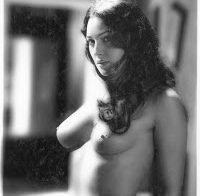 Monica Bellucci nua em ensaio de 2000