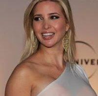 Ivanka Trump essencialmente topless de roupa transparente