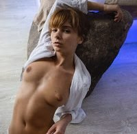Marta Gromova nua em ensaio