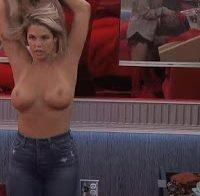 Elena Davies topless no 'Big Brother'