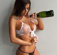 Juli Annee topless (roupa transparente)