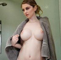 Nadya Nabakova nua para promover filme porno