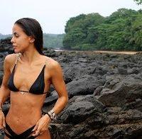 Carolina Patrocínio mostra-se semi-nua nas redes sociais
