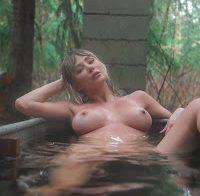 Sara Underwood topless, para variar