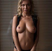 Natalia Andreeva nua em ensaio sensual