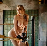 Natalia Tihomirova nua em ensaio sensual
